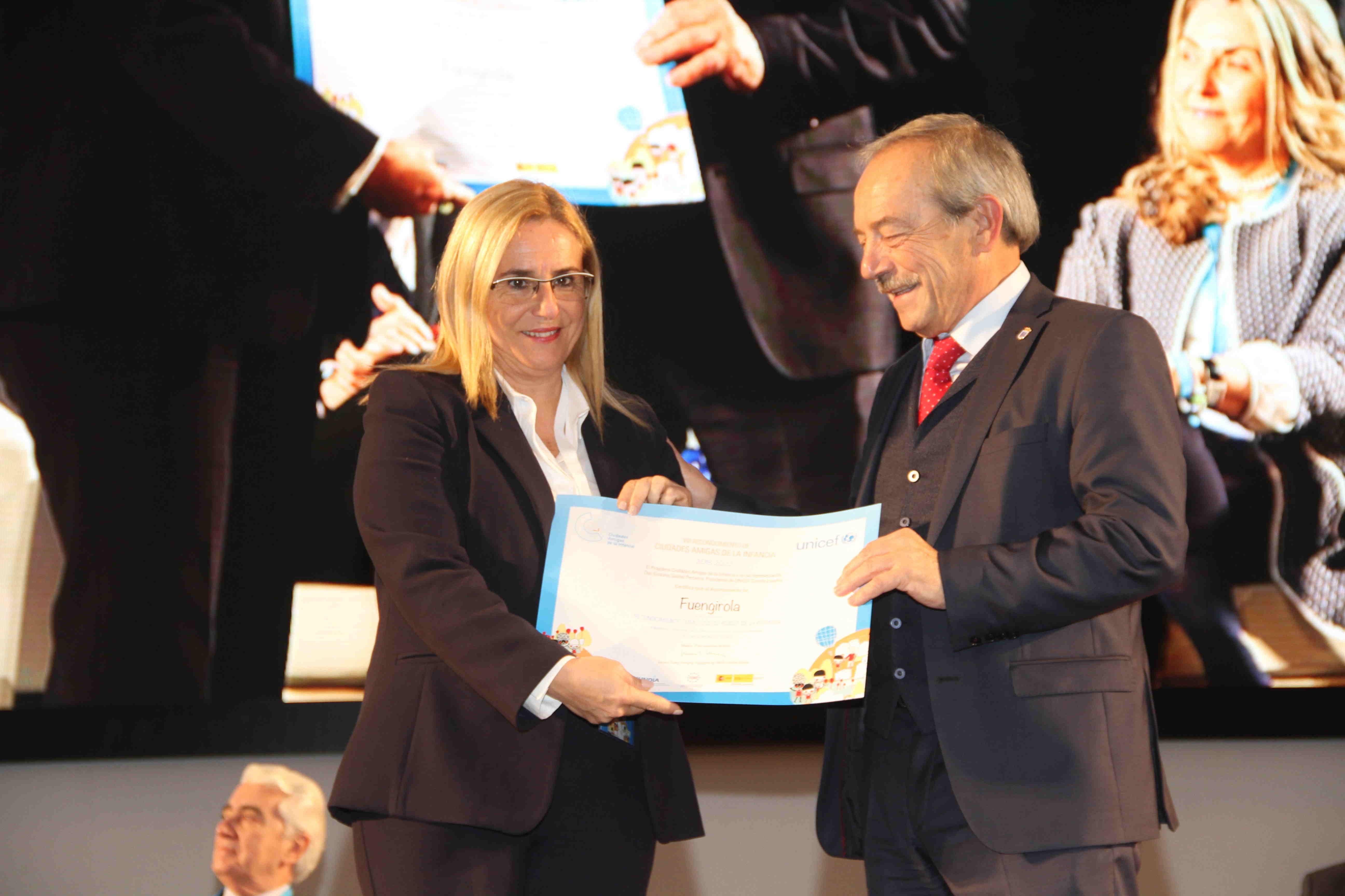 La alcaldesa, Ana Mula, recibe a distinción de UNICEF Ciudad Amiga de la Infancia